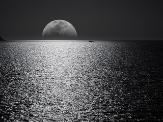 white-black-moon-evening-night-time-seascape-5k-d1.jpg