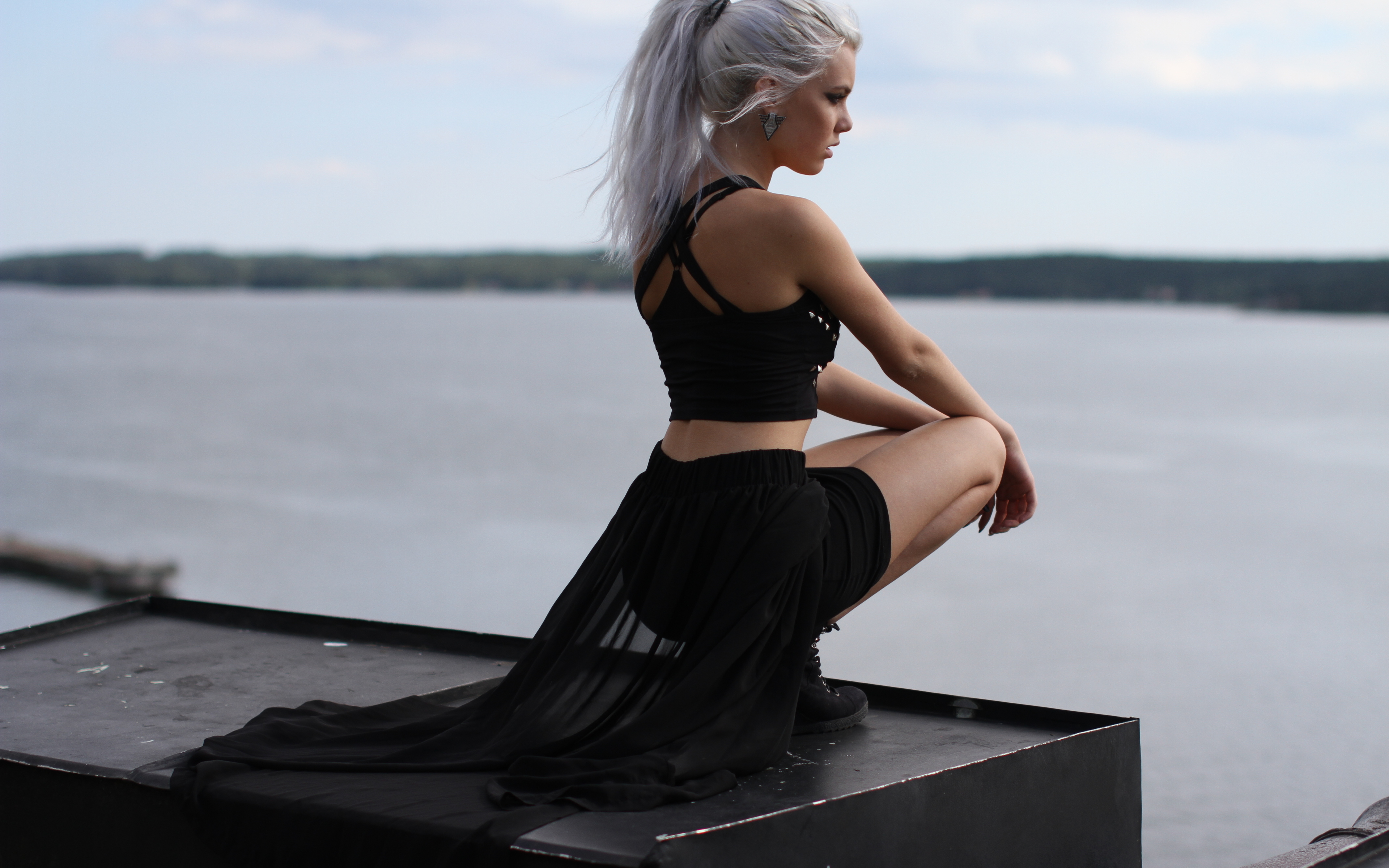 white-hair-girl-alone-a4.jpg