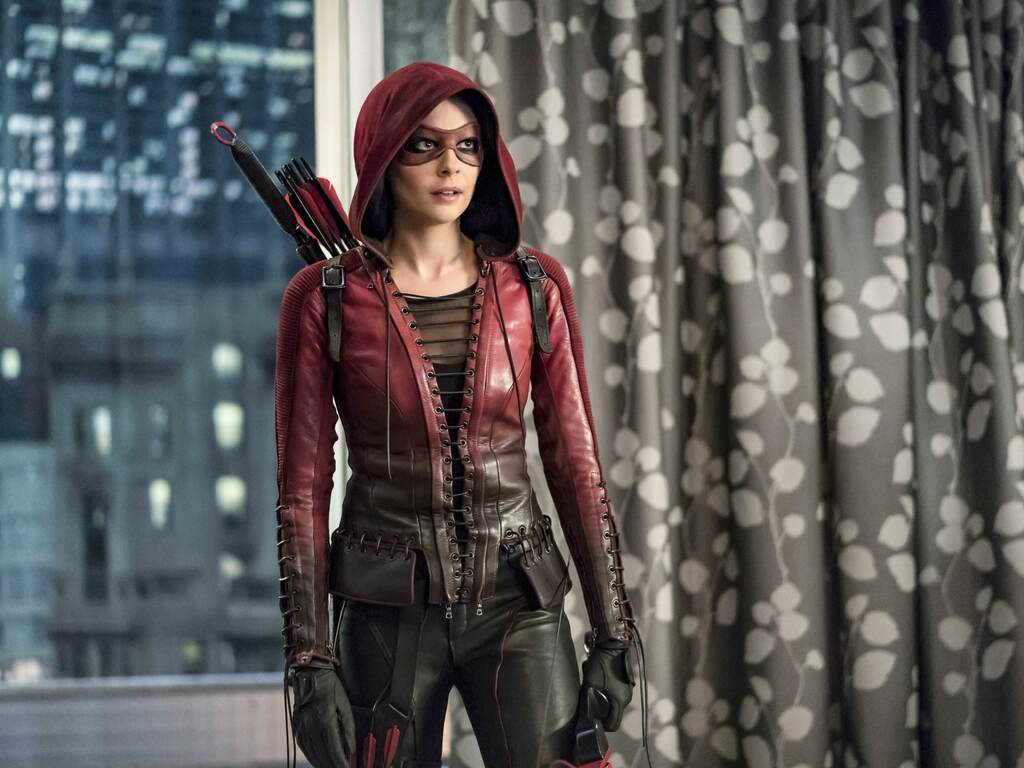 willa-holland-as-thea-queen-in-arrow-tv-series-a1.jpg