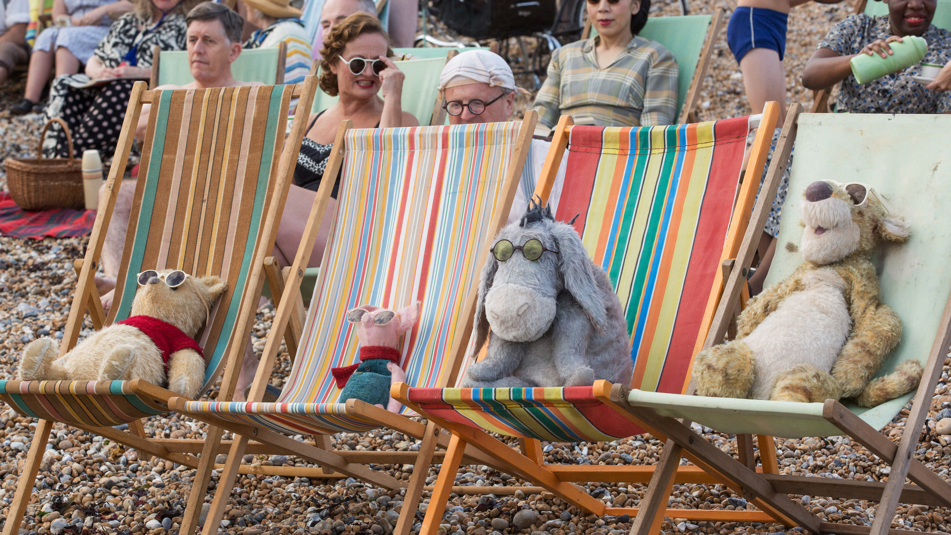 winnie-the-pooh-friends-christopher-robin-movie-5k-sv.jpg