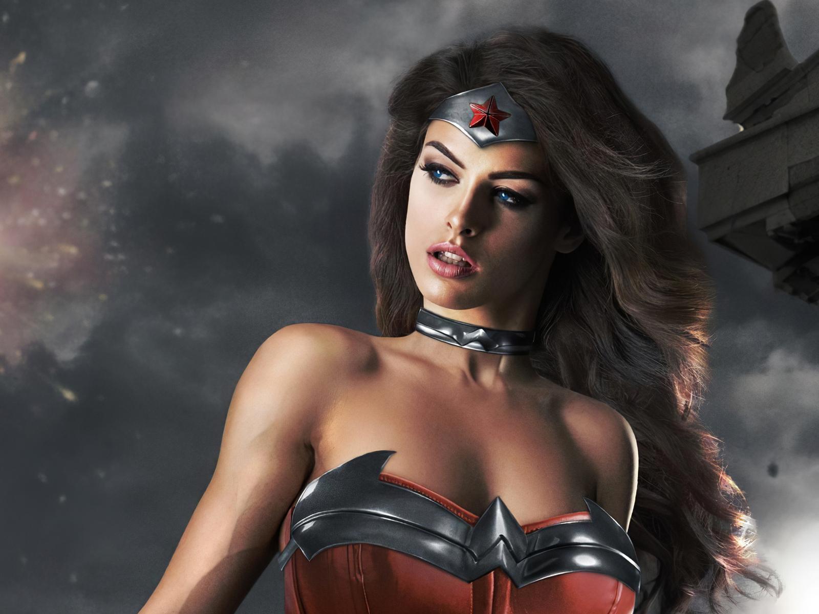 wonder-woman-cute-cosplay-qg.jpg