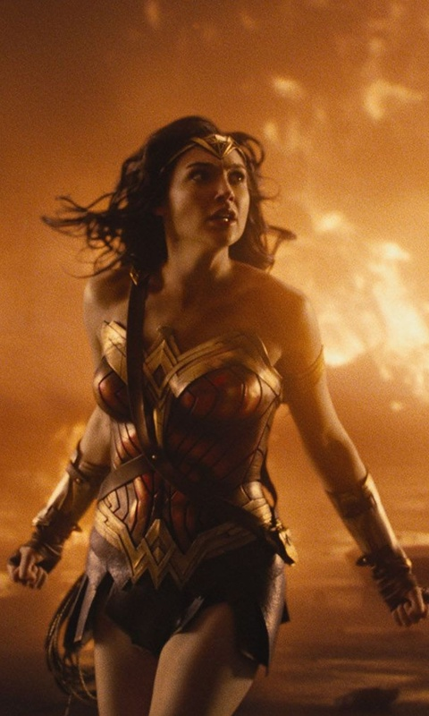 wonder-woman-surronded-by-fire-pz.jpg