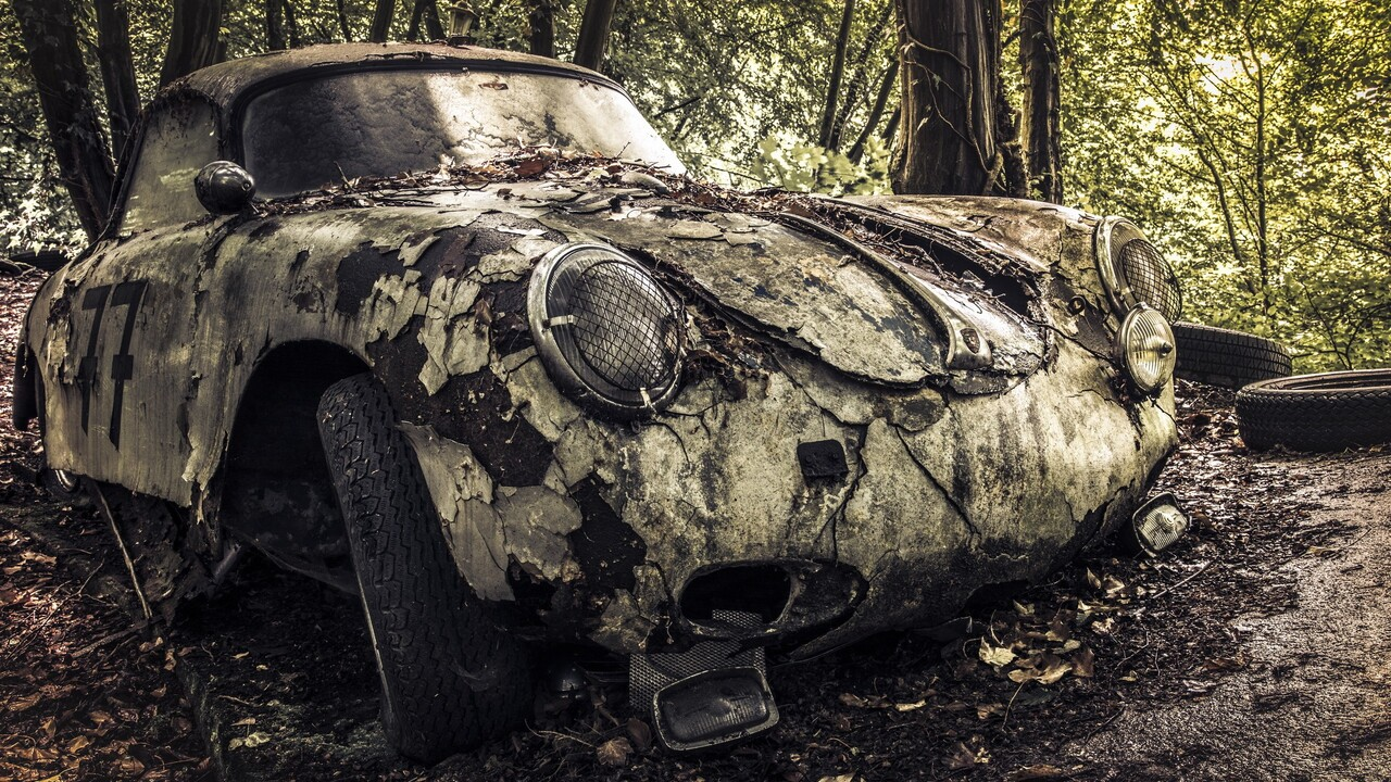 wrecked-car-hd.jpg