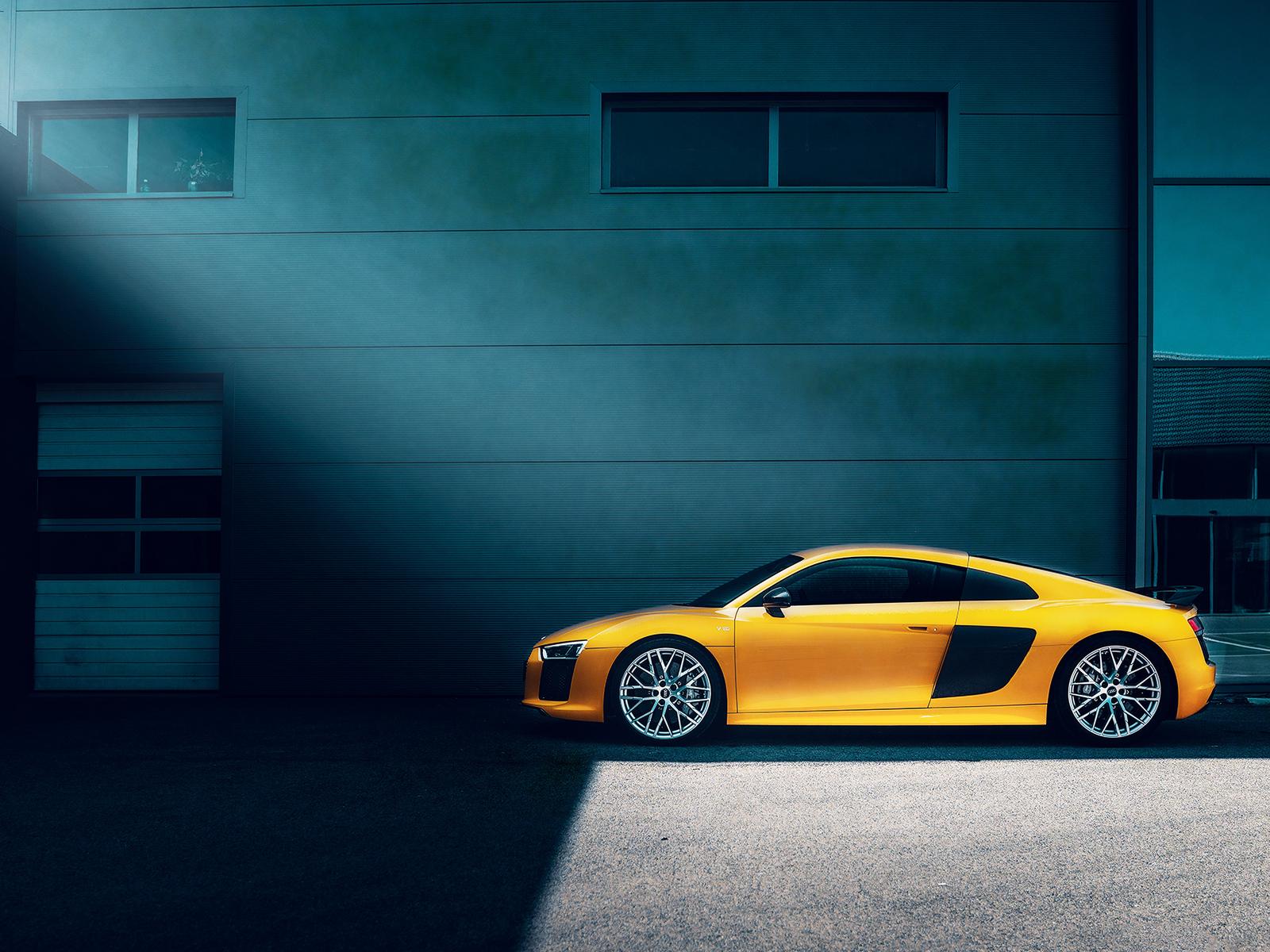 yellow-audi-r8-0i.jpg