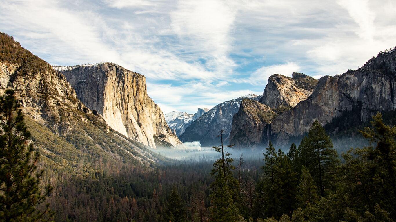 1366x768 Yosemite Valley Beautiful View