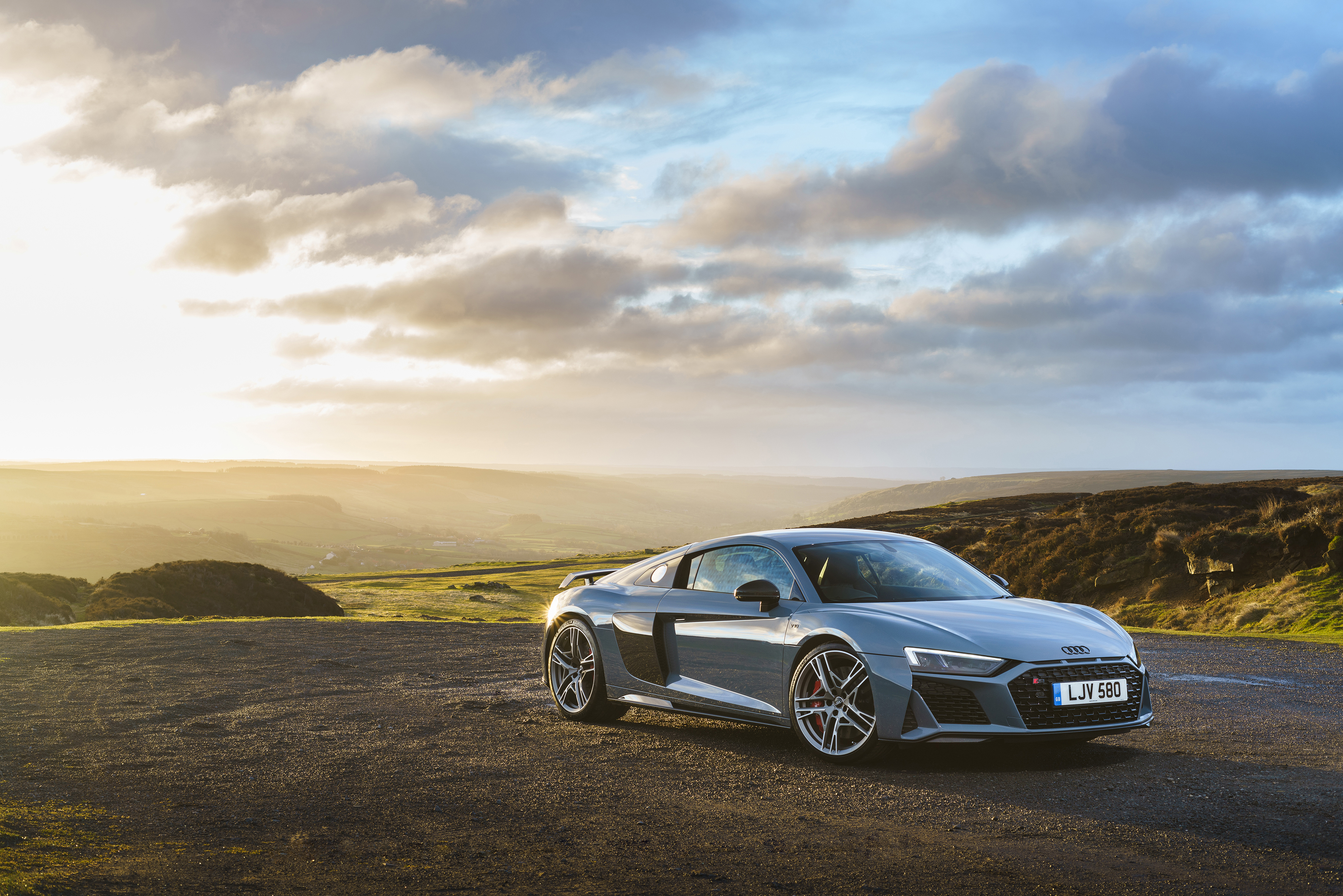 Kelebihan Audi R8 V10 Performance Spesifikasi
