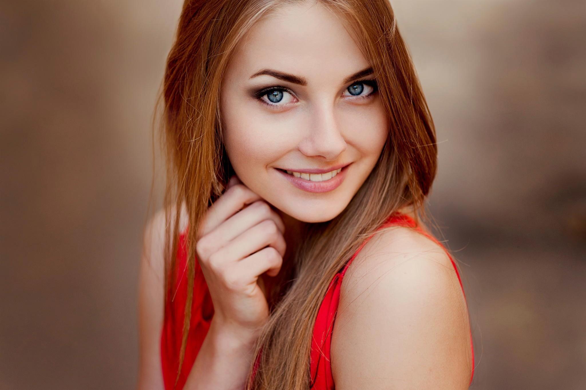 Blue eyes girl hd wallpaper free download