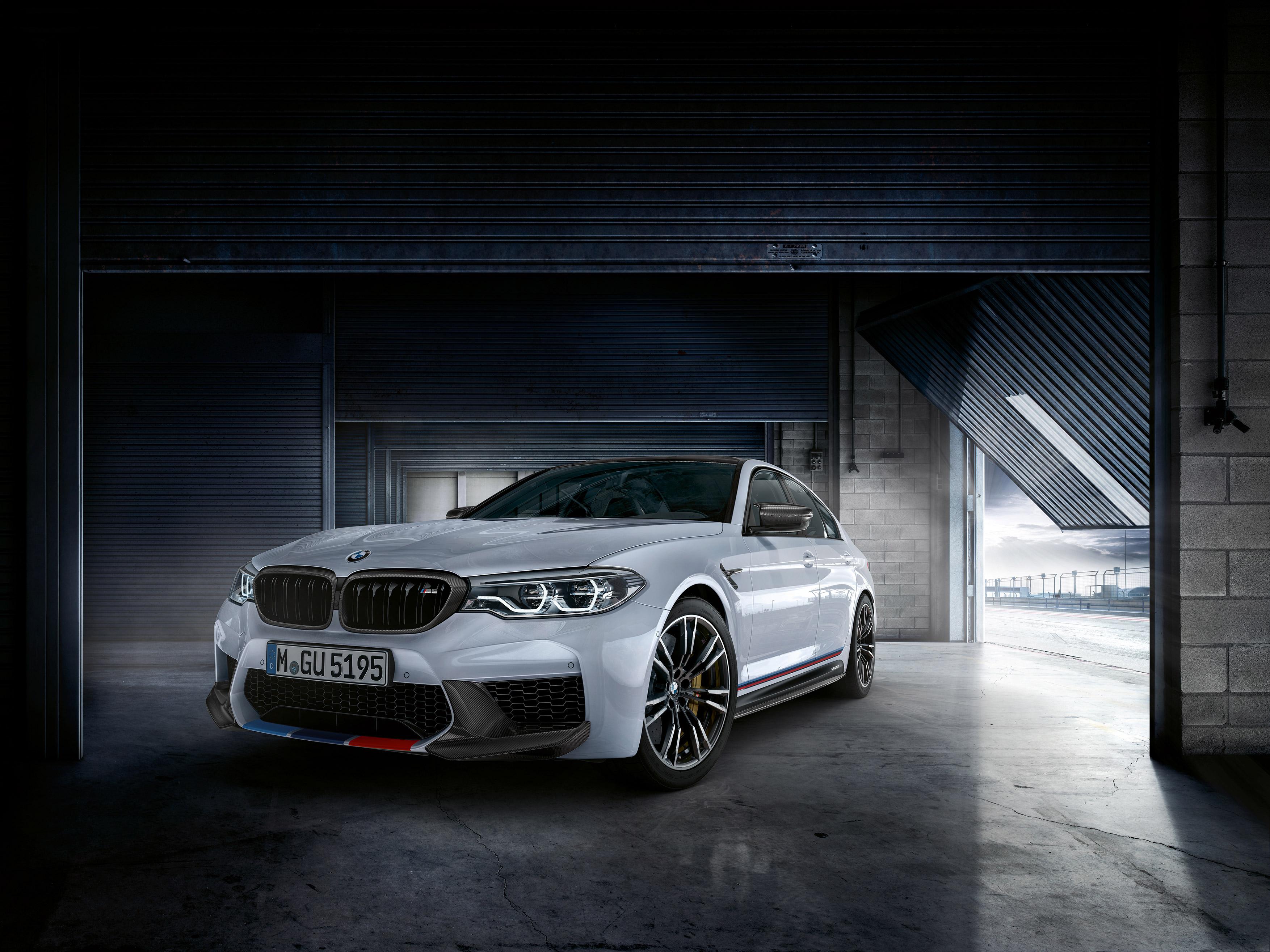 BMW M5 Zoom Video Background