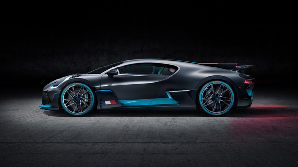 Full HD Bugatti Divo 2018 Rear View Wallpaper