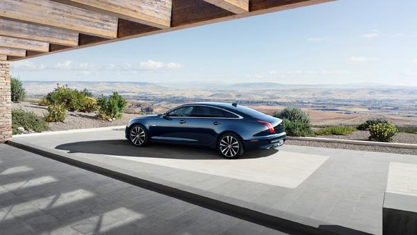 Full HD Jaguar Xj50 Lwb 2018 Rear Wallpaper