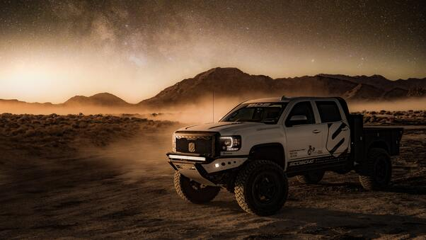 Full HD 4x4 Offroad Vehicle In Desert Wallpaper