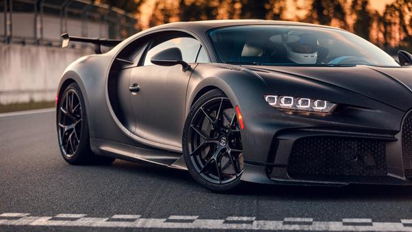 Full HD Bugatti Chiron Pur Sport 2020 Side View Wallpaper