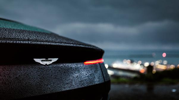Full HD Aston Martin Db11 Amr Signature Edition 2018 Wallpaper