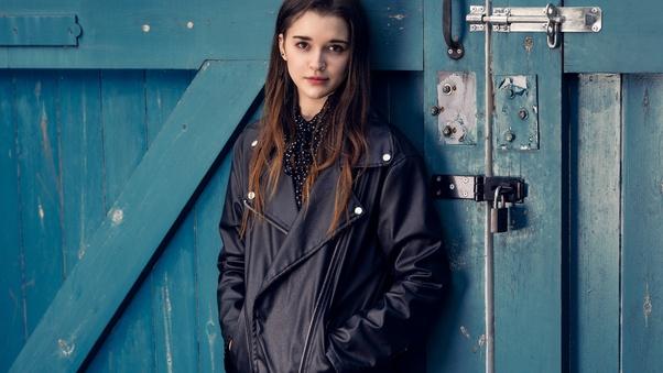 beautiful-girl-in-leather-jacket-5k-ip.jpg