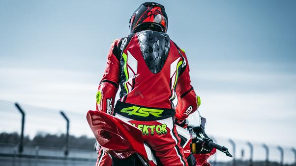 biker-lt.jpg