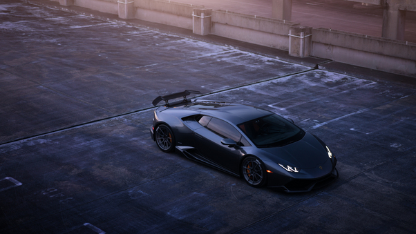 Full HD Green Lamborghini Huracan Side View Wallpaper
