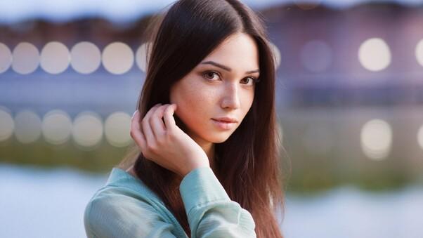 brown-eyes-brunette-depth-of-field-face-67.jpg