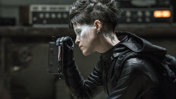 claire-foy-in-the-girl-in-the-spiders-web-movie-u3.jpg