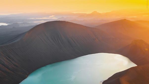 crater-lake-in-iceland-cd.jpg