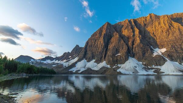 floe-lake-at-sunrise-british-columbia-5k-qa.jpg