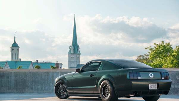 Full HD Mustang Outside Motel Wallpaper