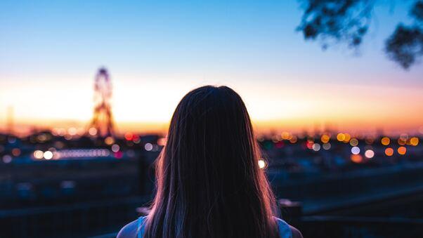 girl-back-view-city-5k-nc.jpg