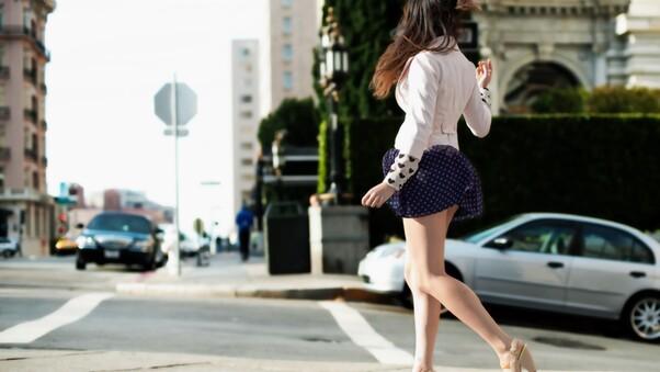 girl-in-mini-dress-2.jpg