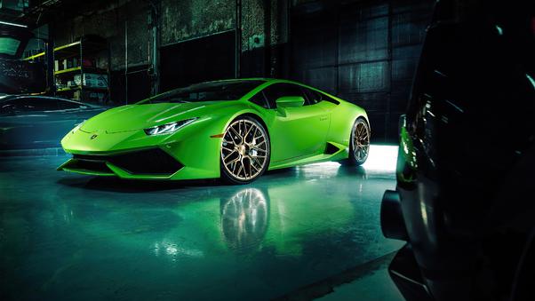 Full HD Green Lamborghini Huracan 4k 2020 Wallpaper