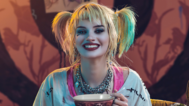 harley-quinn-having-breakfast-cosplay-5k-ew.jpg