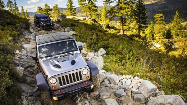 jeep-wrangler-offroading-4k.jpg