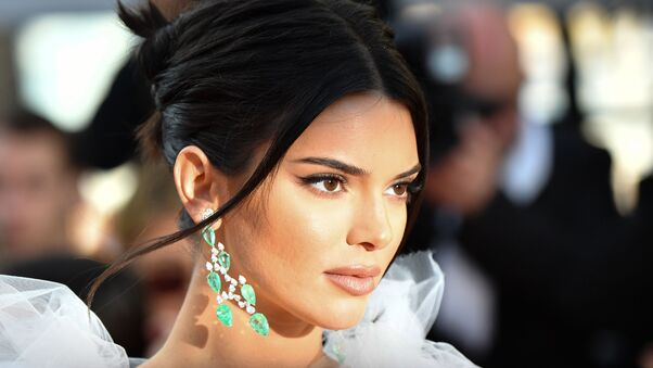 kendall-jenner-girls-of-the-sun-premiere-mw.jpg