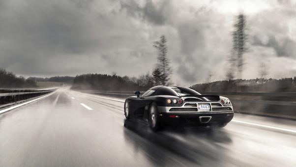 koenigsegg-on-wet-roads-4k-vt.jpg