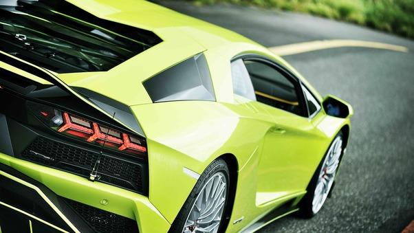 Full HD Lamborghini Huracan Rear 8k Wallpaper