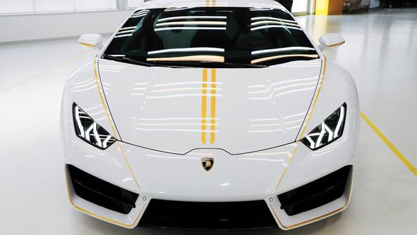 Full HD Lamborghini Huracan Spyder Convertible Wallpaper