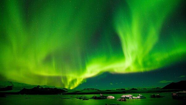 northern-lights-aurora-4k-a0.jpg