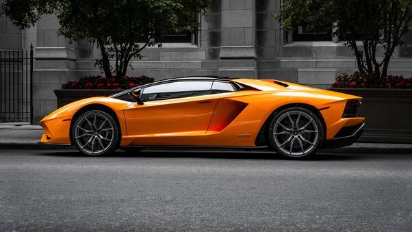 Full HD Grey Lamborghini Aventador Wallpaper