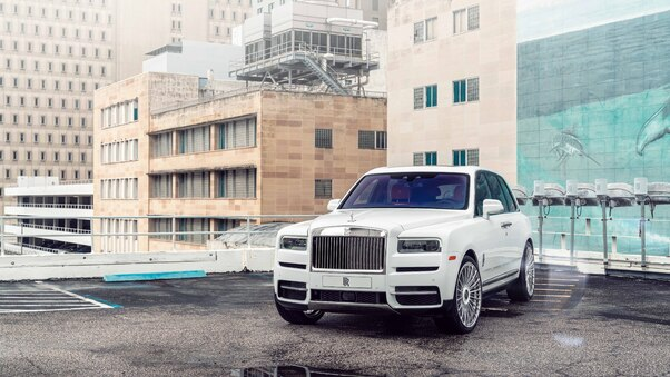 Full HD 2019 Rolls Royce Cullinan Wallpaper