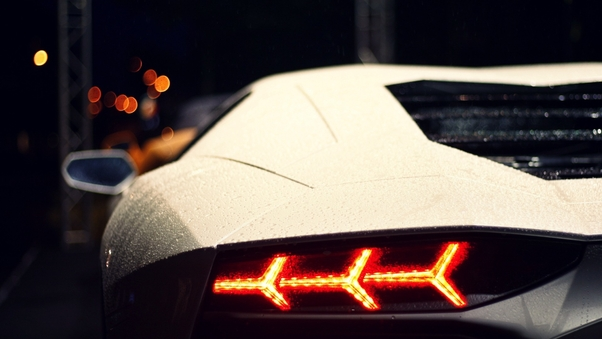 Full HD White Lamborghini Aventador Rear Wallpaper