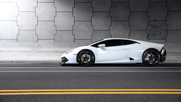 Full HD White Lamborghini Huracan4k Wallpaper