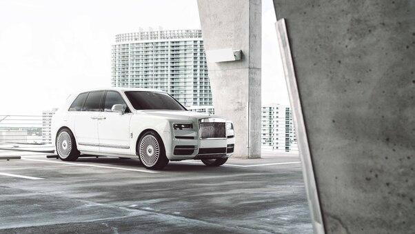 Full HD Rolls Royce Suv Wallpaper