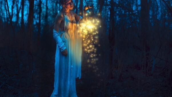 women-with-lantern.jpg