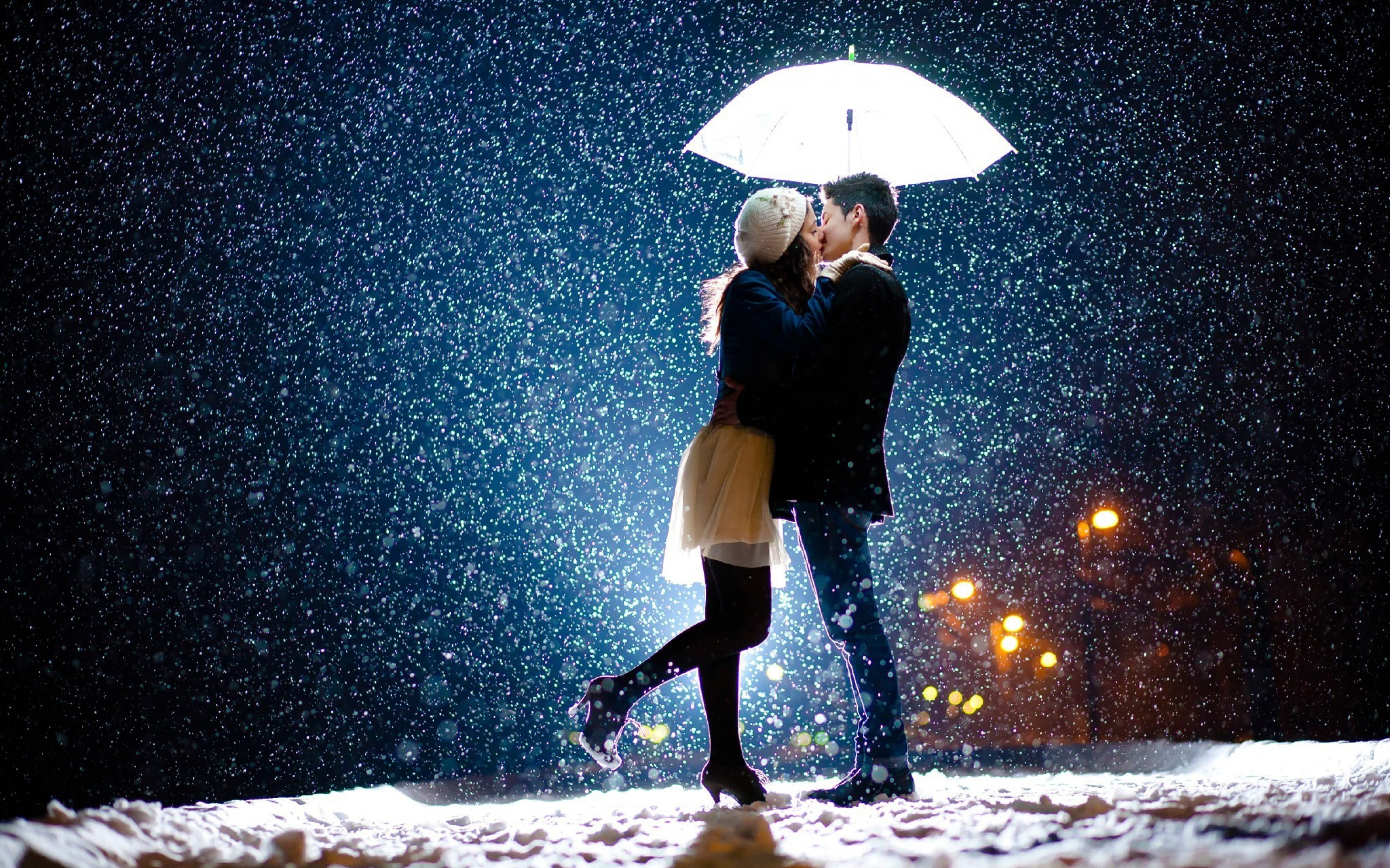 Couple Kiss In Snow Hd Love 4k Wallpapers Images Backgrounds