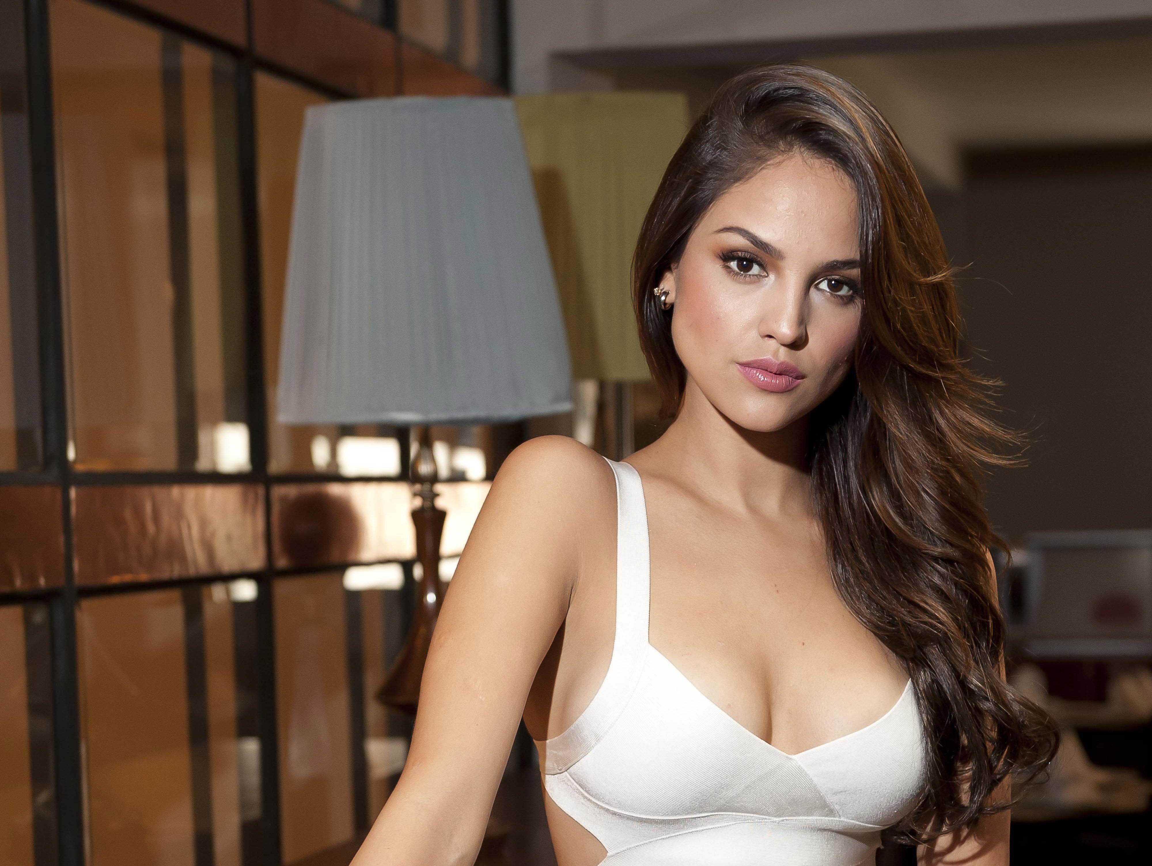Sexy eiza gonzález Eiza González