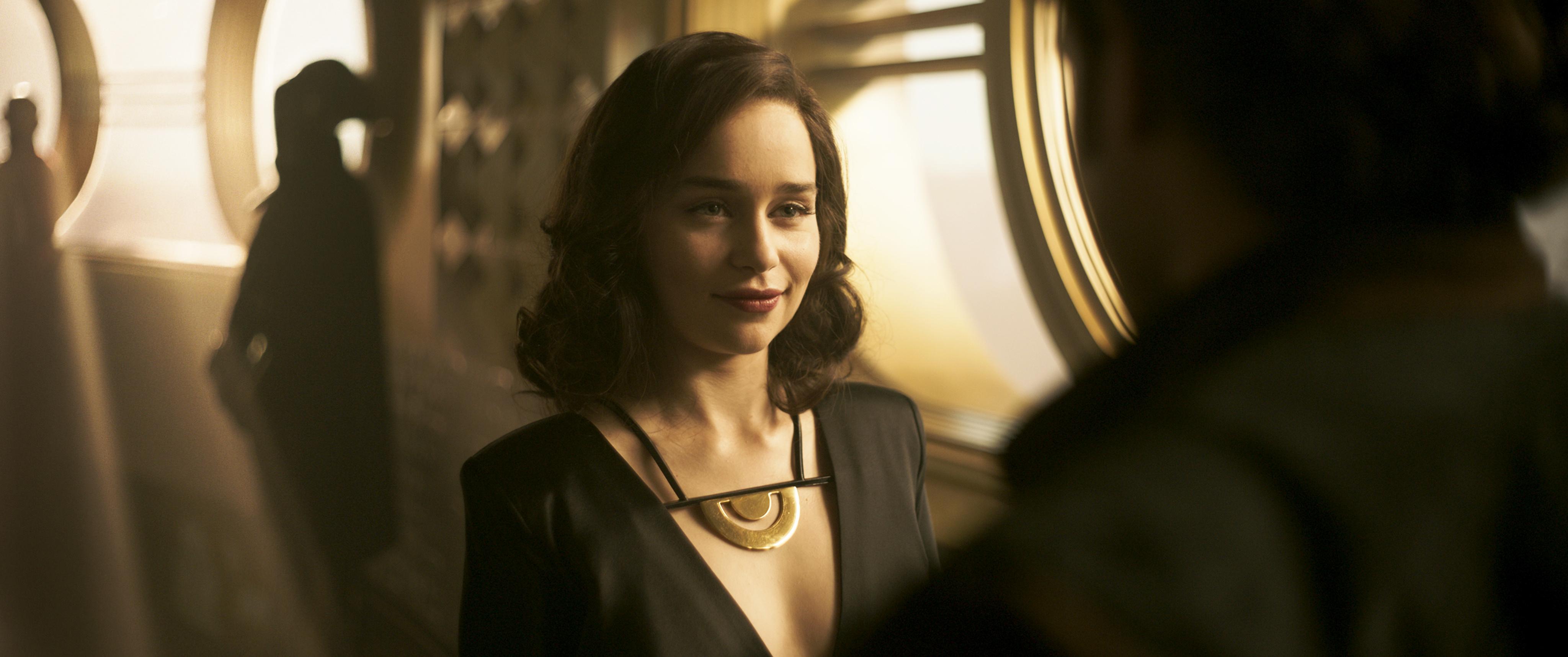 emilia clarke as qira solo a star wars story movie kv