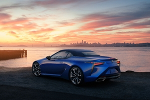 10k 2021 Lexus LC 500 Convertible Wallpaper