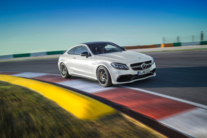 2016 Mercedes C63 Wallpaper