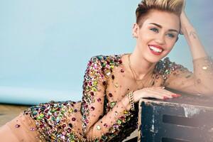 2016 Miley Cyrus