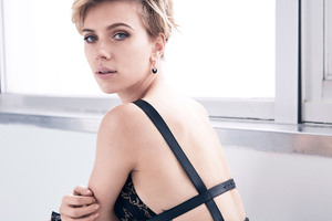 2017 Scarlett Johansson Cosmopolitan 5k Wallpaper