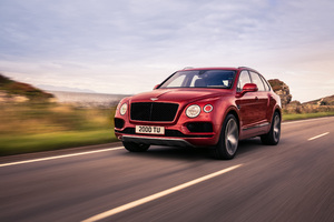 2018 Bentley Bentayga V8 Wallpaper