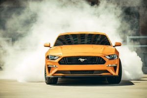 2018 Ford Mustang GT Fastback Front Wallpaper